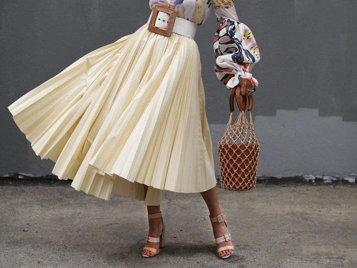 Πλισέ φούστα: 20 σχέδια για easy-chic, καλοκαιρινές εμφανίσεις που θα συζητηθούν
