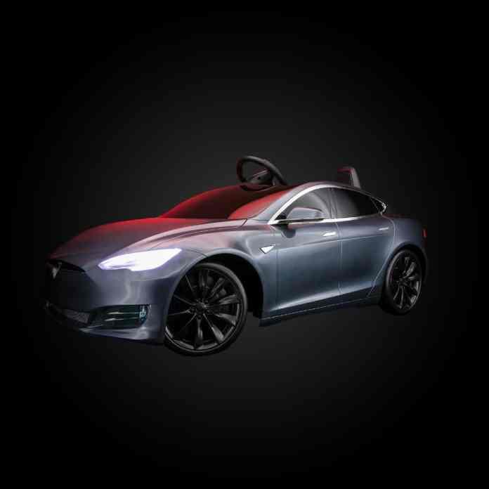 Ο Elon Musk ανακοινώνει την παύση του Tesla Model S Plaid Plus