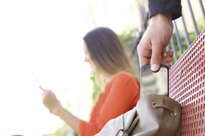 Στη Βραζιλία σου κλέβουν το κινητό για να σου αδειάσουν τον λογαριασμό
