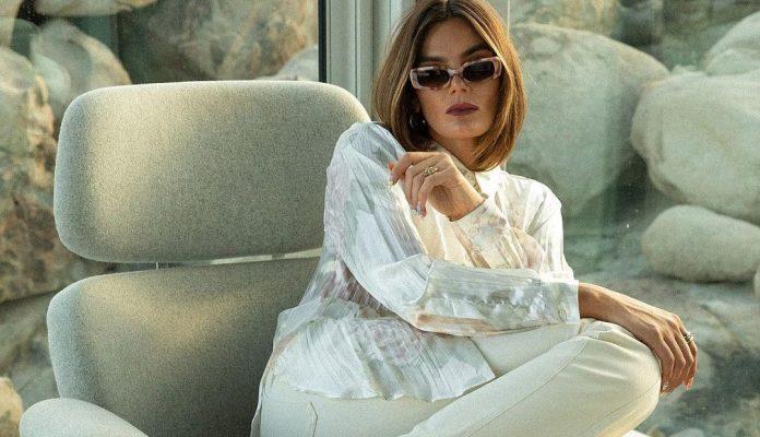 Τα ανοιχτόχρωμα denim παντελόνια είναι η τέλεια εναλλακτική για τώρα