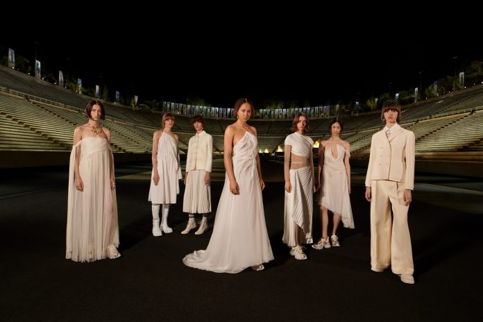 Dior Cruise 2022: Μια συλλογή που εμπνέεται από την αρχαία Ελλάδα αλλά έχει το βλέμμα της στραμμένο στο μέλλον