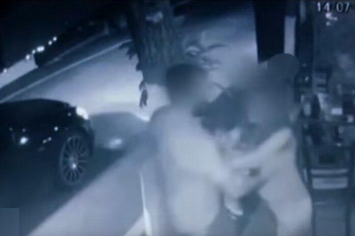Βίντεο με την αιματηρή επίθεση στην ταβέρνα μπροστά στα παιδιά του ζευγαριού