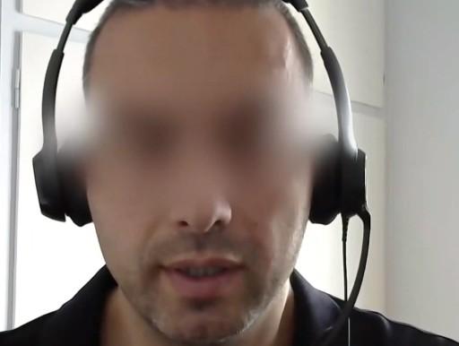 Αντιεμβολιαστής αστυνομικός διδάσκει τους πολίτες πως να «πολεμούν τα ΜΑΤ» (βίντεο)