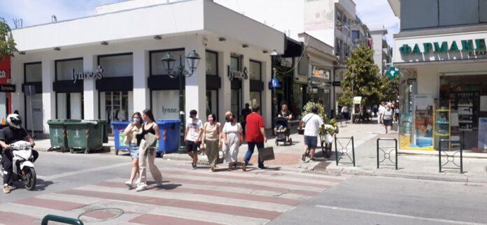 «Θερμοπληξία» στο λιανεμπόριο – Οι καταναλωτές αναβάλλουν τις αγορές