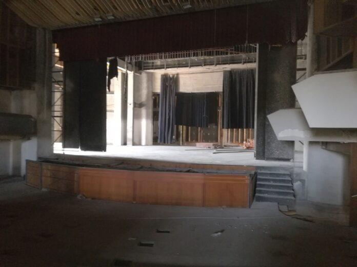 Στο εργοτάξιο του Δημοτικού Θεάτρου βρέθηκε ο Περιφερειάρχης Θεσσαλίας