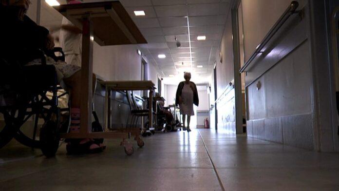 Συναγερμός σε γηροκομείο – Εντοπίστηκαν τουλάχιστον 30 κρούσματα