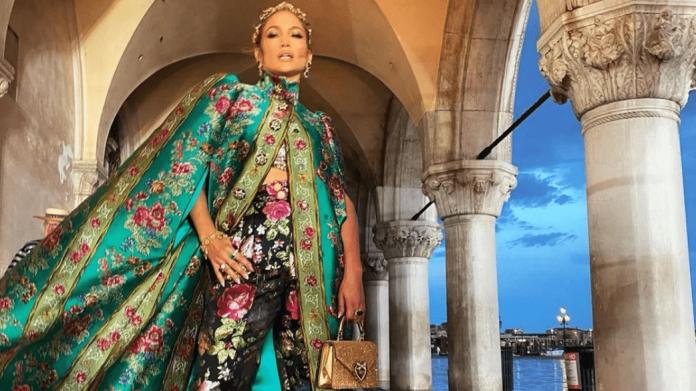 Jennifer Lopez: Όλες οι λεπτομέρειες της εμφάνισής της στο Alta Moda του Dolce & Gabbana