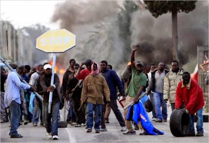 Ανεξέλεγκτη η κατάσταση στο Δήμο Θηβαίων - Αλλοδαποί επιτέθηκαν με ρόπαλα