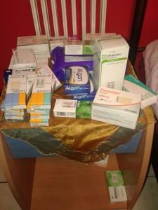 Ντουλάπια και συρτάρια, γεμάτα φάρμακα που πρέπει να λαμβάνει ο 33χρονος