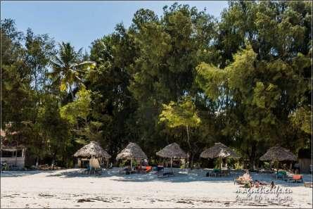 Miejsce w cieniu na plaży w Paje