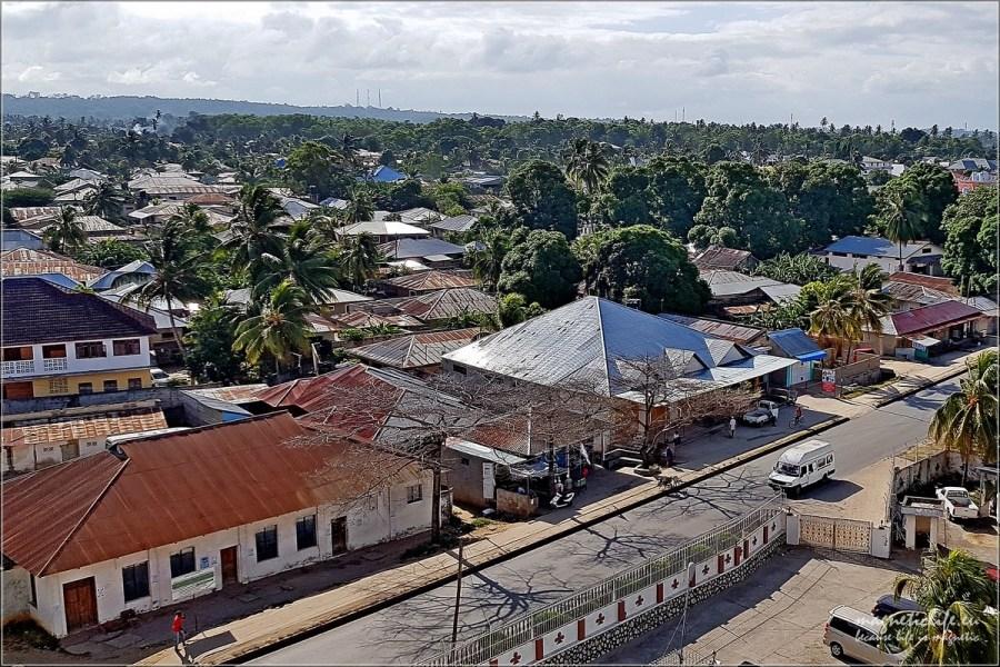 Zardzewiałe dachy Zanzibaru
