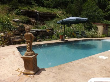 Pool w/ Limestone Bluff Waterfall