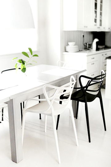black and white dining 4