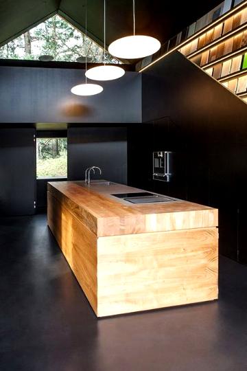 black kitchens 1