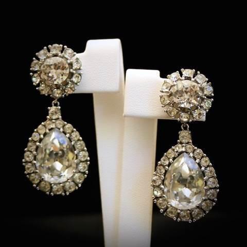 Gemma Redmond Vintage Jewellery for the Unique Bride Club by the National Vintage Wedding Fair2
