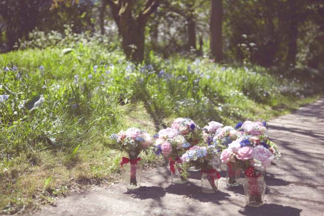 Dan and Maddi's Vintage Americana Country Wedding by Natalie J Weddings and featured on The National Vintage Wedding Fair Flowers