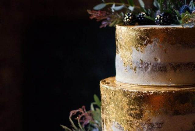 Wedding Cake Trends Metallic