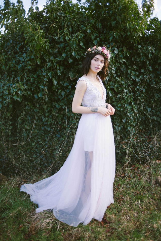 Perfectly Imperfect- Alternative wedding inspiration with wild florals and a rock chick look