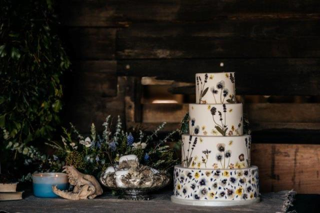 Alternative Wedding day Styling with Fresh Spring and Urban Cool Vibes