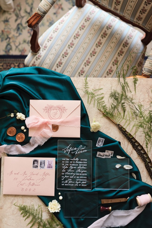 Styling - Bwedding Invitations