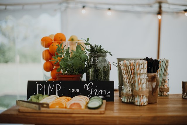 Pimp Your Wedding - Creative 'Pimp Your' Stations To Get Your Guests Involved