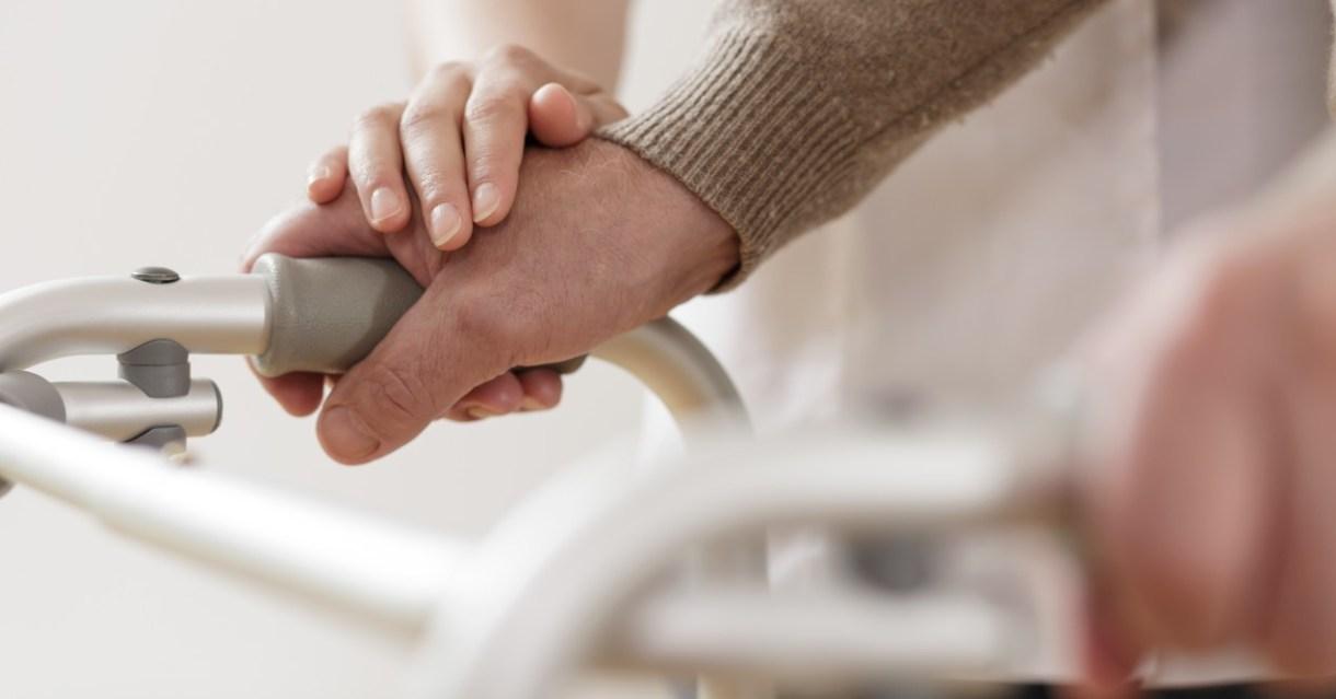 Dicas de cuidados com idosos no domicílio