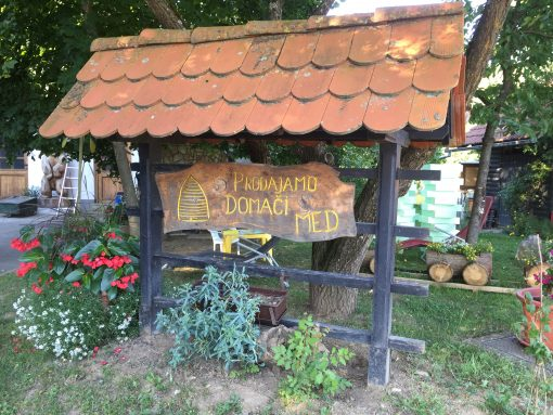 Local Honey for sale at Čebelarstvo Veselič in Metlika, Slovenia