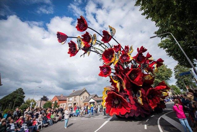 9-van-gogh-flower-parade-floats-corso-zundert-netherlands-7