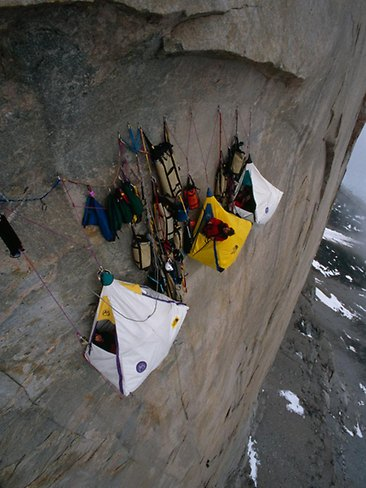 Extreme Cliff Camping (Pictures)