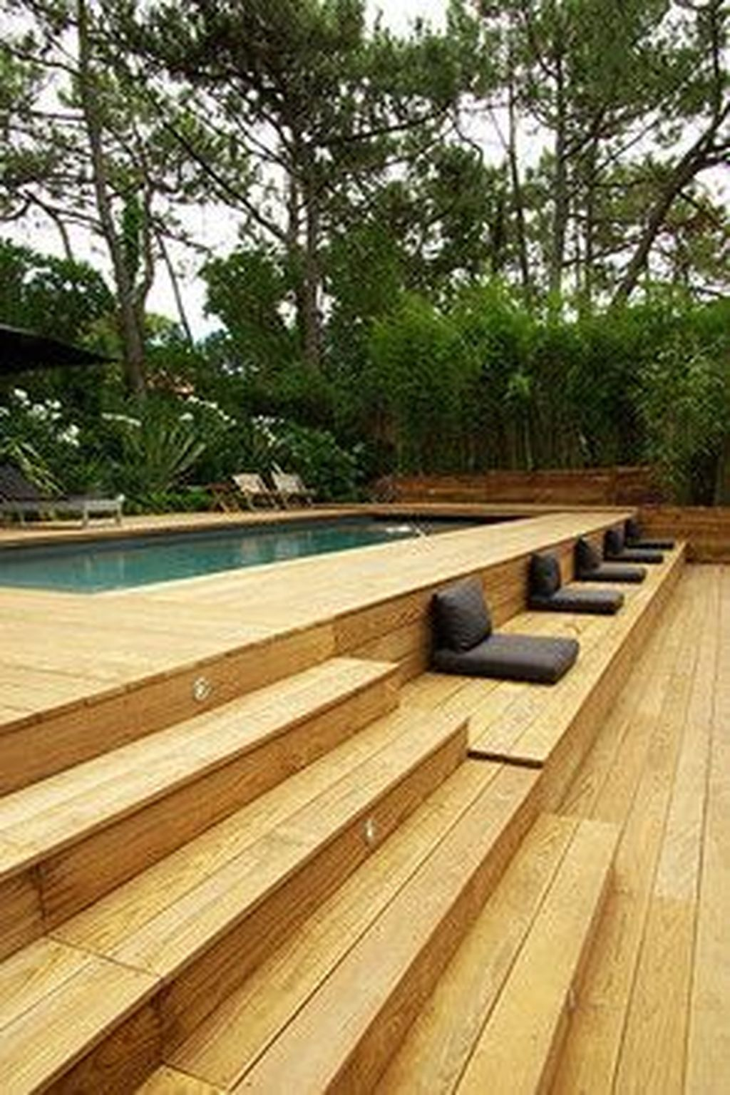Gorgeous Summer Outdoor Pool Design Ideas 20