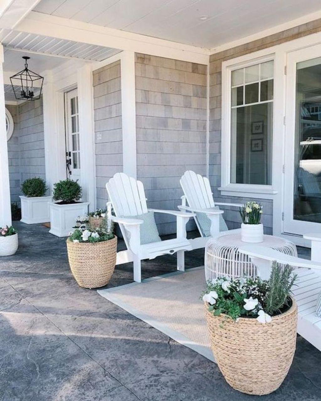 Inspiring Spring Planters Design Ideas For Front Door 10