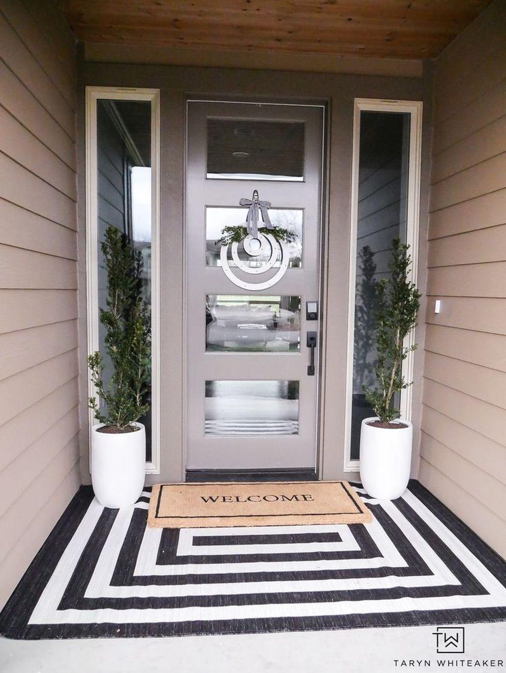 Inspiring Spring Planters Design Ideas For Front Door 21