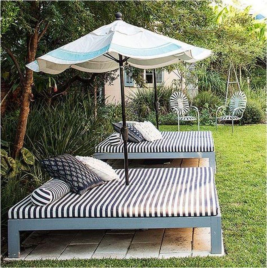 Stunning Summer Backyard Decoration Ideas 13