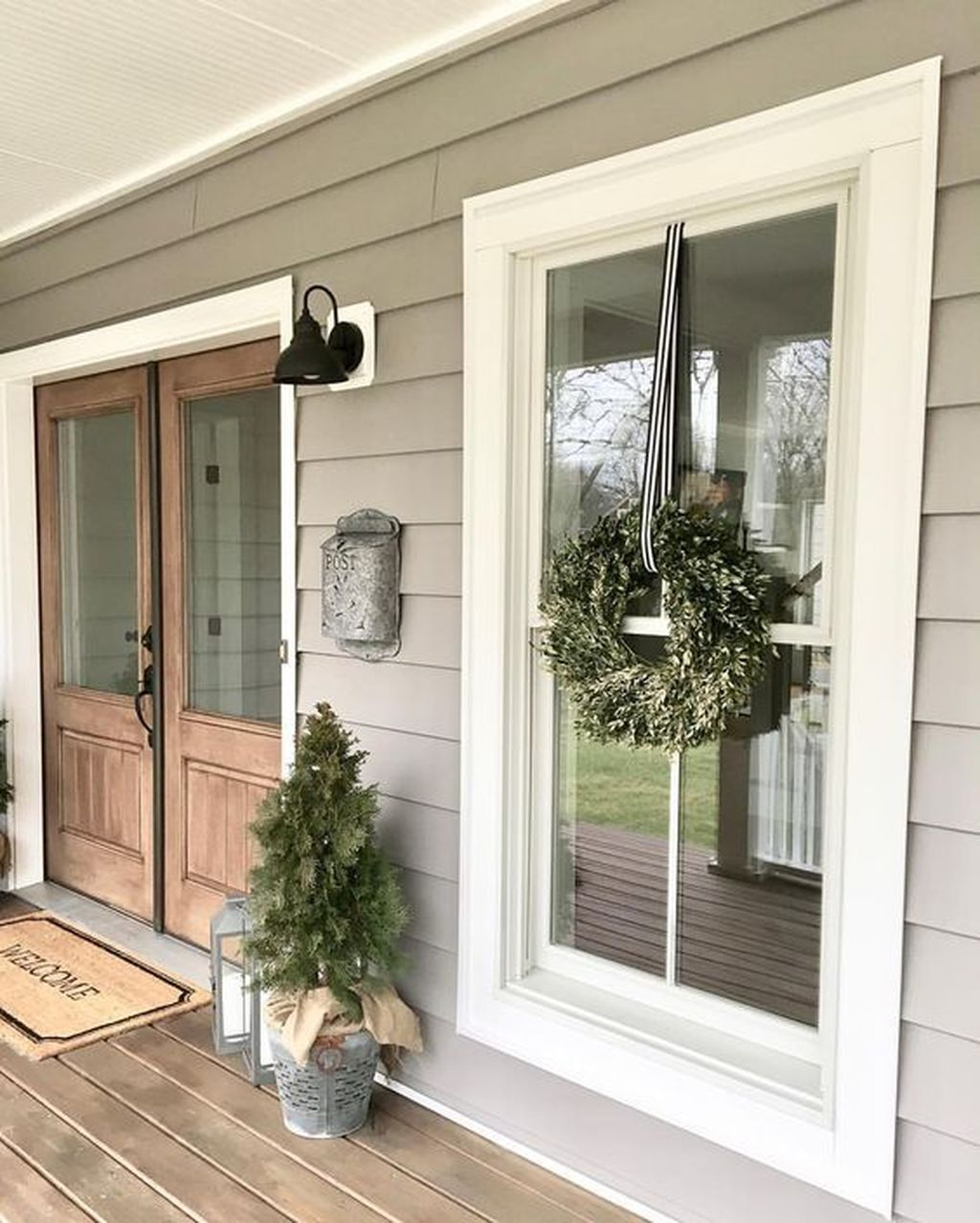 The Best Front Porch Ideas For Summer Decorating 17