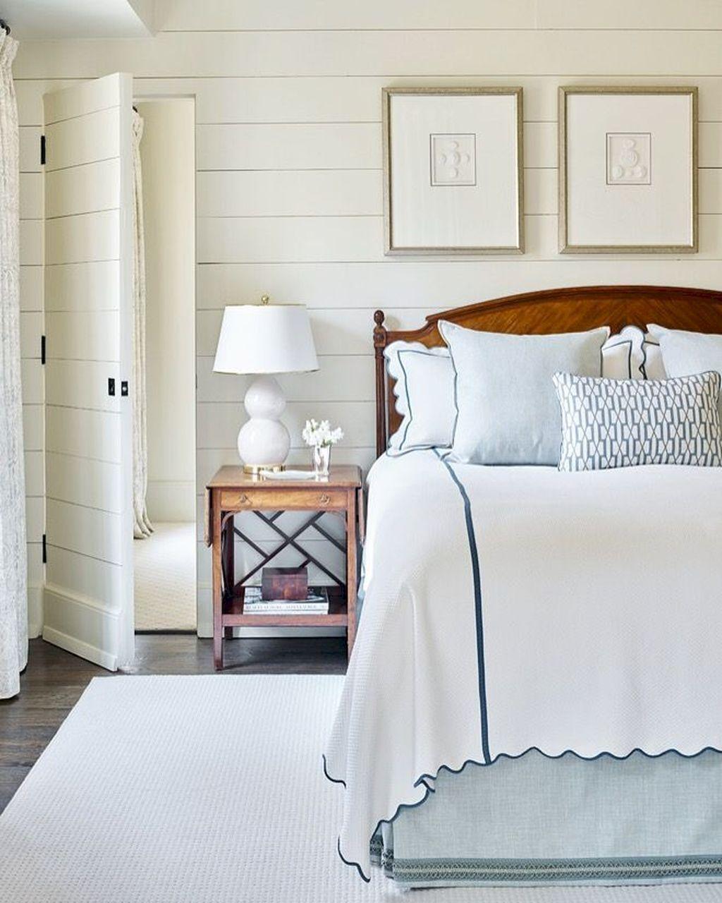 Wonderful Modern Coastal Bedroom Decoration Ideas 07