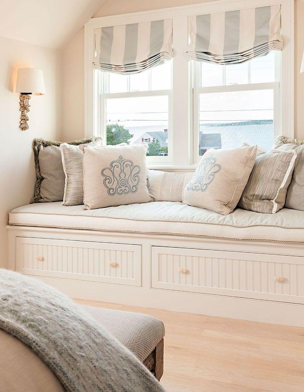 Wonderful Modern Coastal Bedroom Decoration Ideas 09
