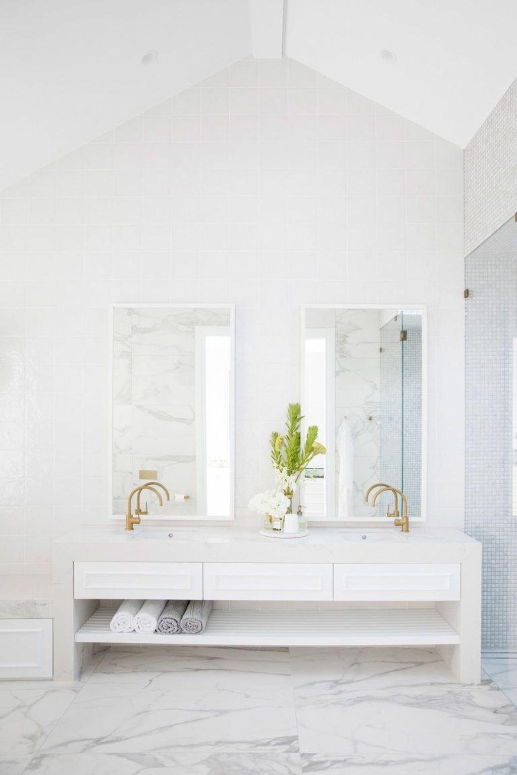 Wonderful Modern Coastal Bedroom Decoration Ideas 11