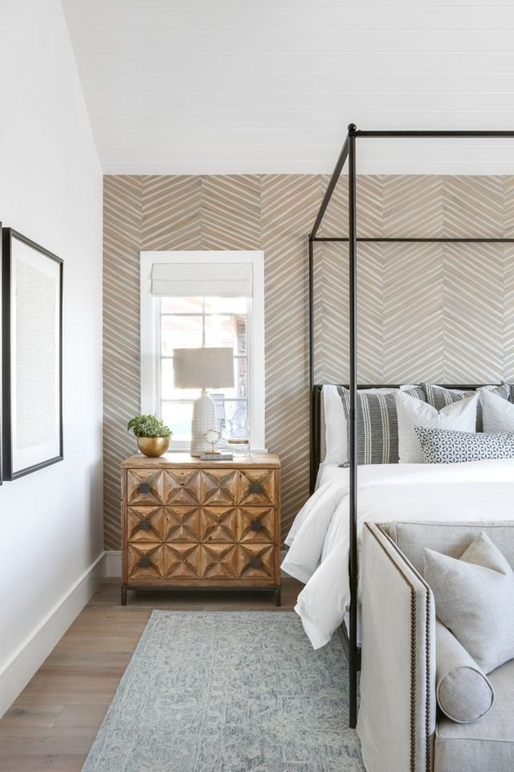 Wonderful Modern Coastal Bedroom Decoration Ideas 12