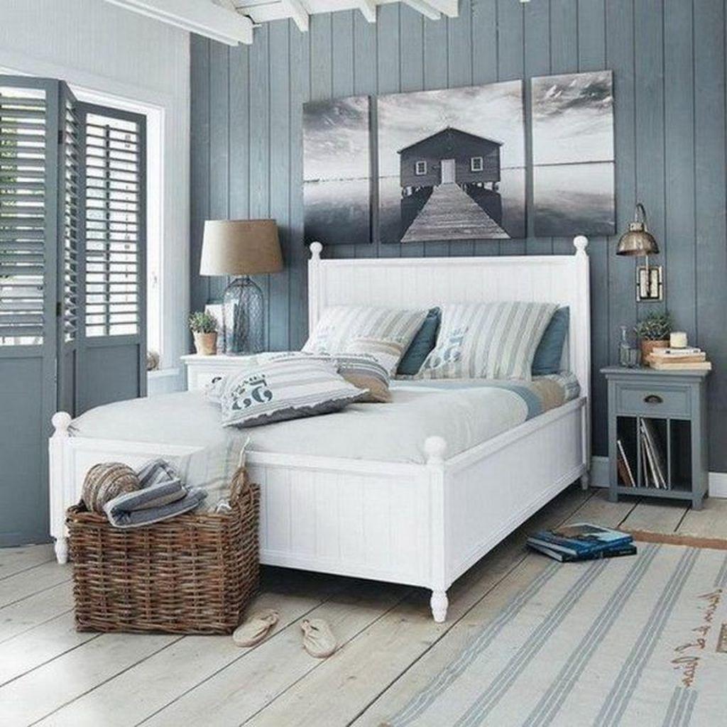 Wonderful Modern Coastal Bedroom Decoration Ideas 32