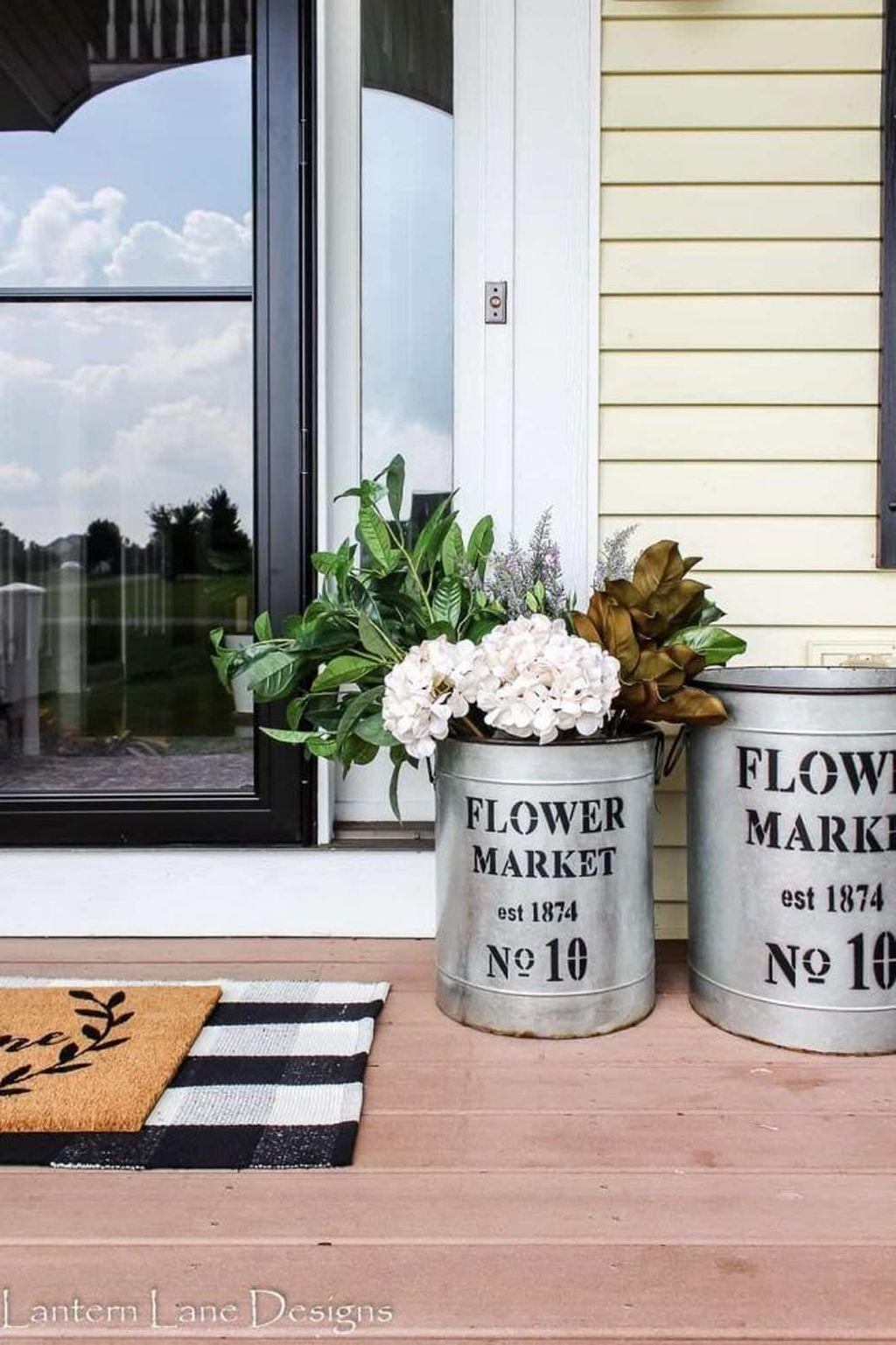 Amazing Fall Planter Ideas Best For Front Porches 28