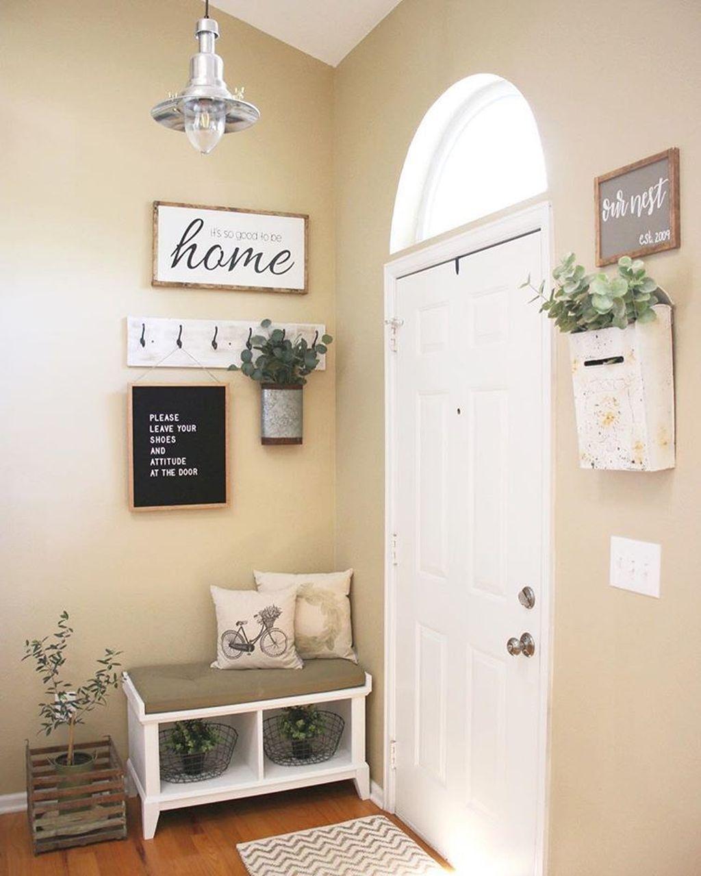 Amazing Small Entryway Decor Ideas 11