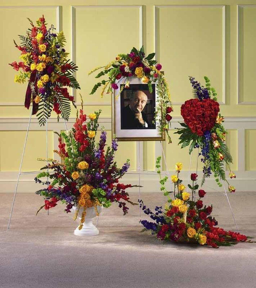 Amazing Unique Flower Arrangements Ideas For Your Home Decor 04