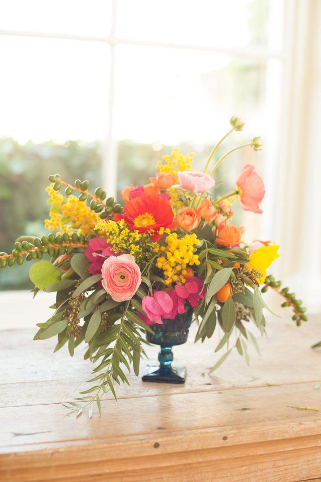 Amazing Unique Flower Arrangements Ideas For Your Home Decor 26