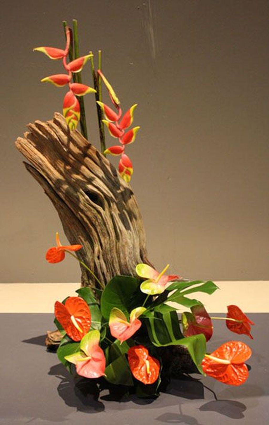 Amazing Unique Flower Arrangements Ideas For Your Home Decor 34
