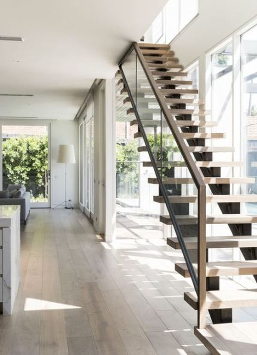 Awesome Modern Glass Railings Design Ideas For Stairs 24