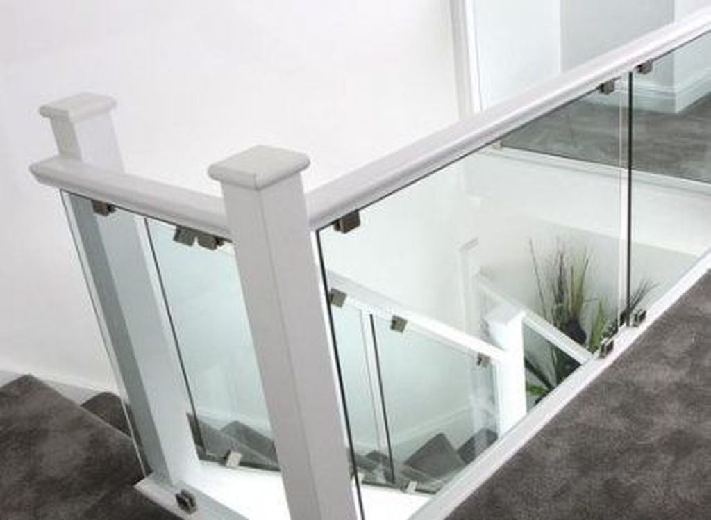 Awesome Modern Glass Railings Design Ideas For Stairs 29