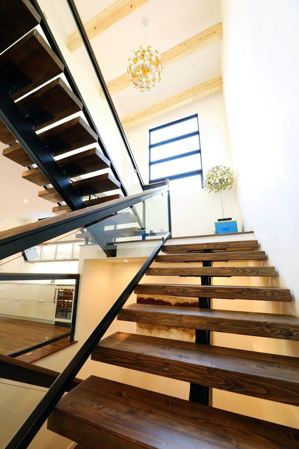 Awesome Modern Glass Railings Design Ideas For Stairs 30