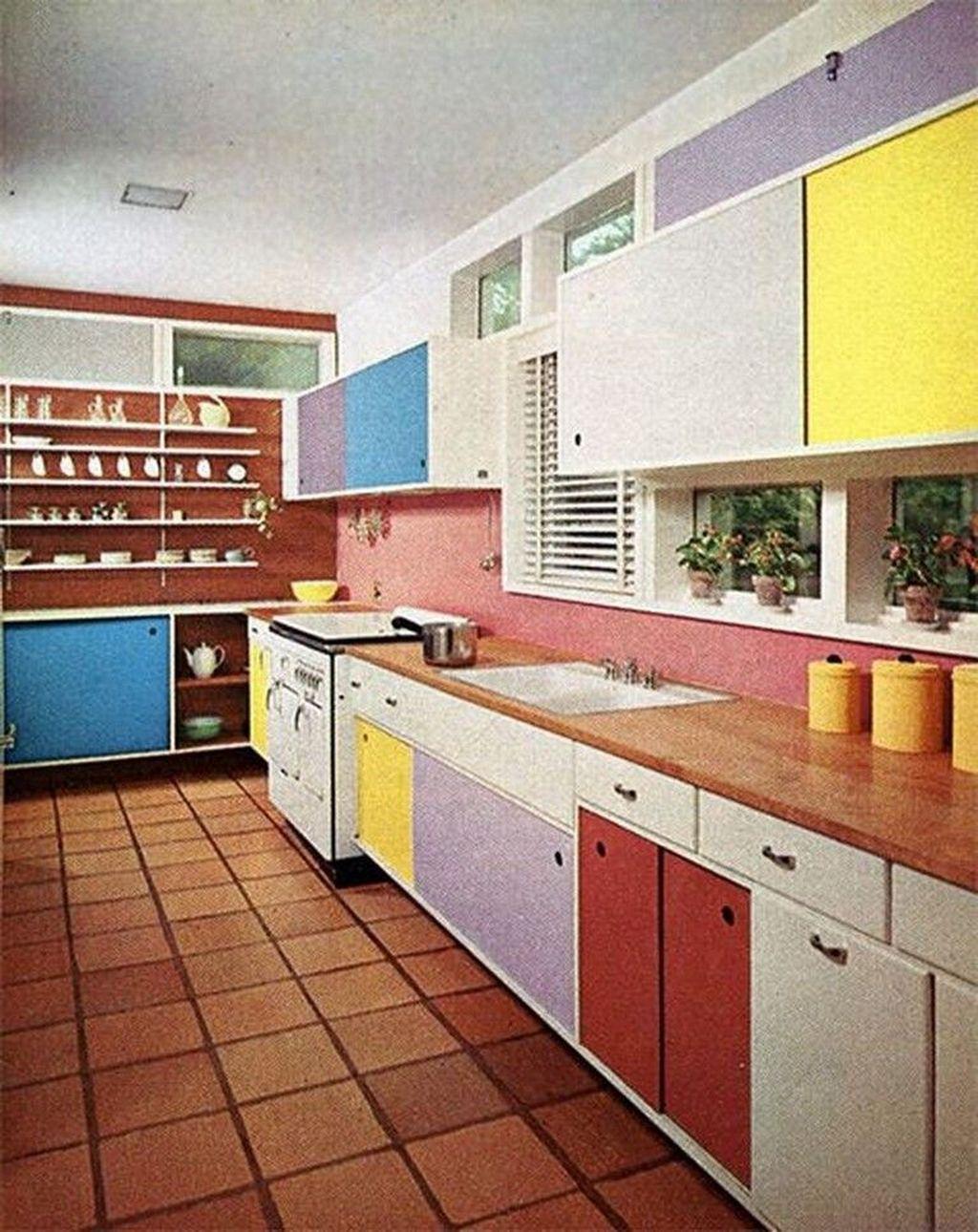 Awesome Retro Kitchen Design Ideas 32