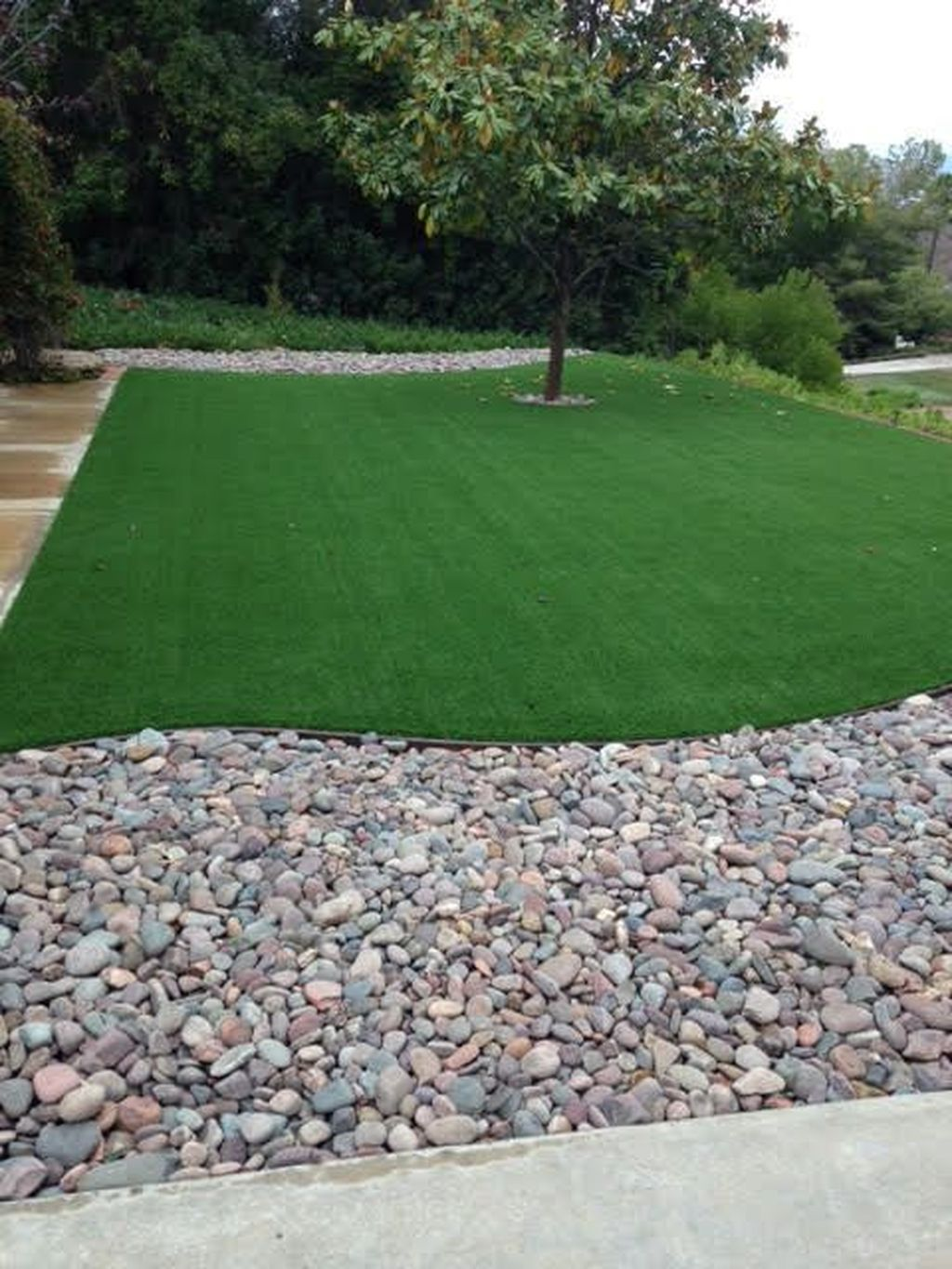 Awesome River Rock Landscaping Ideas 34