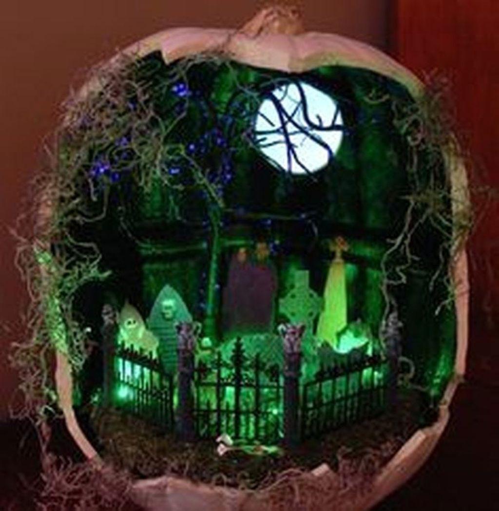 Beautiful Fall Fairy Garden Design Ideas 25